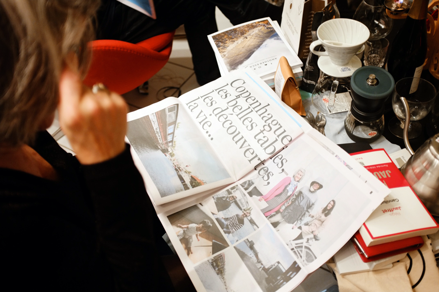8 Festive Ways to Use a Newspaper This Holiday