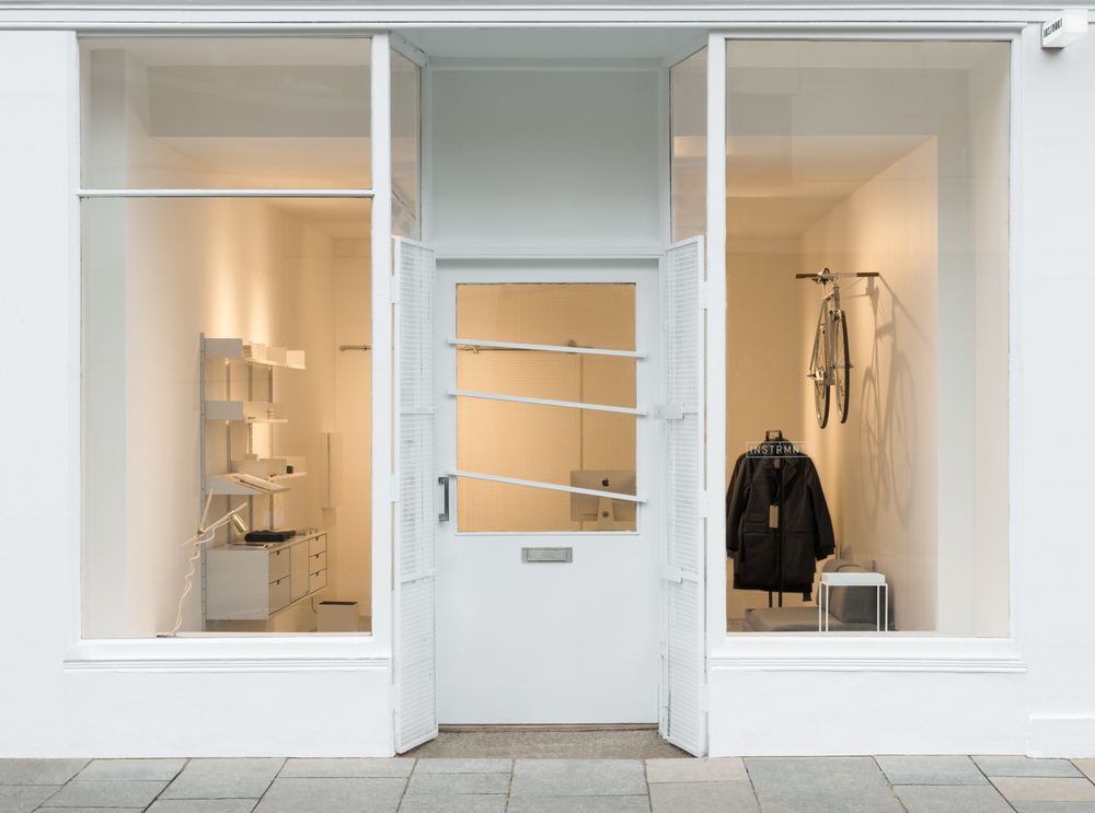 Instrmnt shop in Glasgow's Trongate